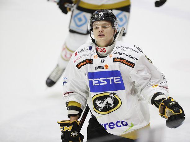 Teemu Kivihalme teki Kärppien voittomaaliksi jääneen 2-0-osuman jo Ässät-ottelun viidennellä peliminuutilla.