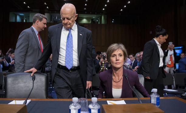 Entistä oikeusministeri Sally Yatesia ja tiedustelujohtaja James Clapperia kuultiin senaatin istunnossa maanantaina.