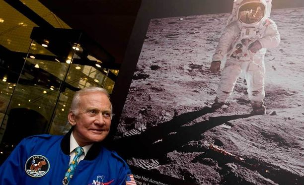 Buzz Aldrin astui vuonna 1969 toisena ihmisenä kuun pinnalle heti Neil Armstrongin jälkeen.