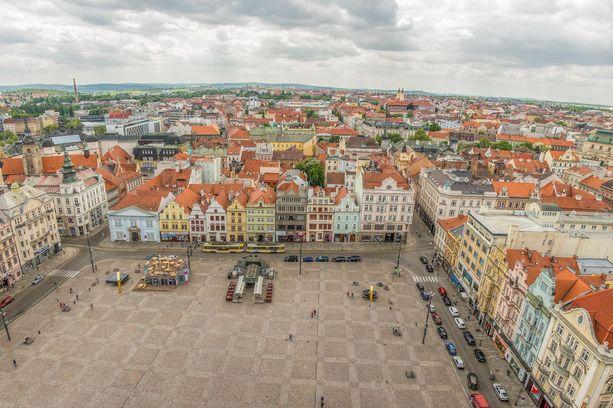 Vanha kaupunki on kompaktin kokoinen, ja sieltä löytyy paljon ravintoloita sekä kahviloita.