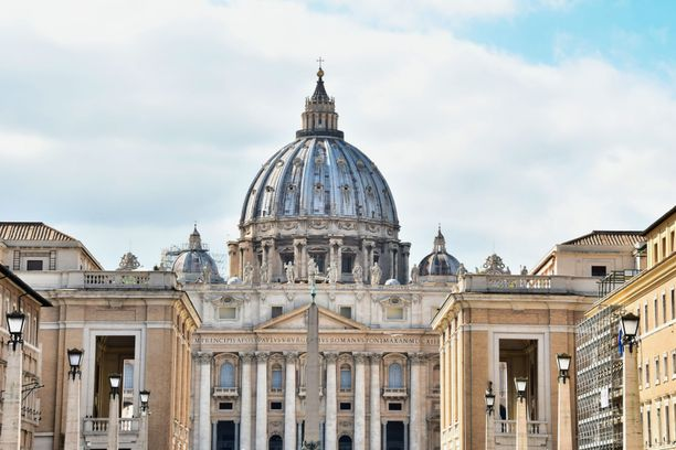 Pietarinkirkko Vatikaanissa. Kuvituskuva.