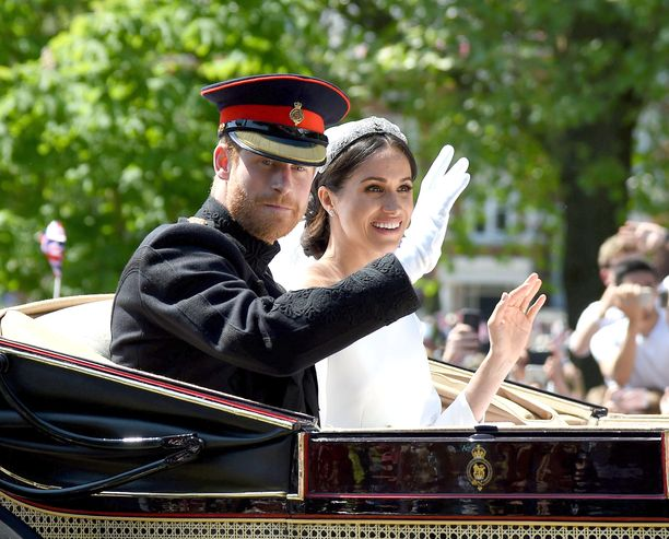 Prinssi Harry ja Meghan Markle saivat kuninkaalliset häät. Miten heidän kuninkaallisten etuuksiensa käy jatkossa?