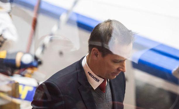 Rankkarikisan hävinnyt Antti Törmänen kertoili, miten itse ampuisi rankkarin.
