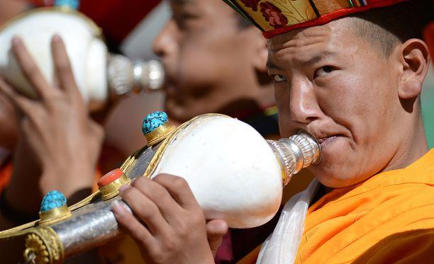 Tiibetiläiset Kiinassa ovat vähemmistöryhmä, jonka on vaikea saada passeja itselleen.