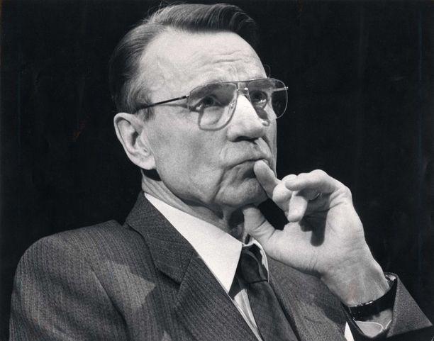 Presidentti Mauno Koiviston aikana presidentin valtaa karsittiin.