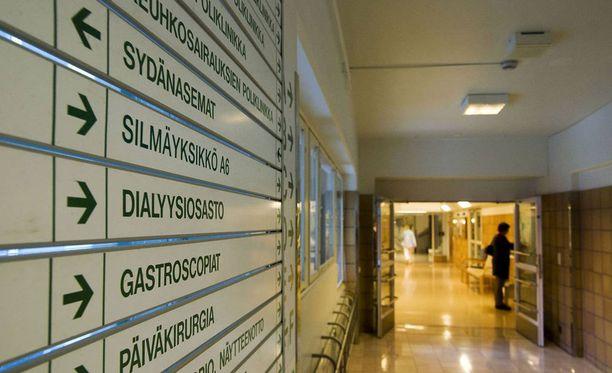 Vaasan keskussairaala ei saanut laajaa päivystystä. – Olemme kuin ylioppilas, jolla on kuusi laudaturia, mutta stipendit menevät niille joilla on M:n keskiarvo, katsoo Vaasan keskussairaalan johtajaylilääkäri Reijo Autio.