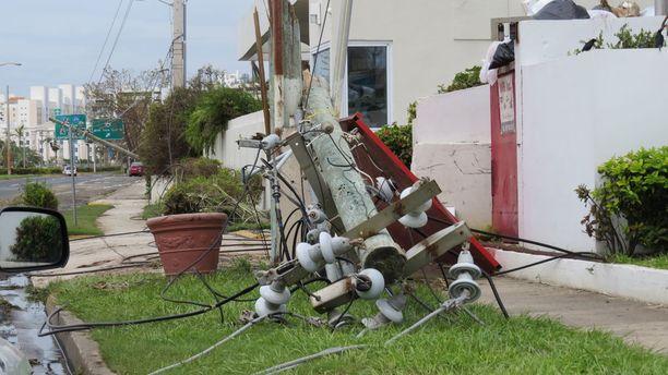 Sähköjen palauttamiseen menee pitkään Puerto Ricossa.