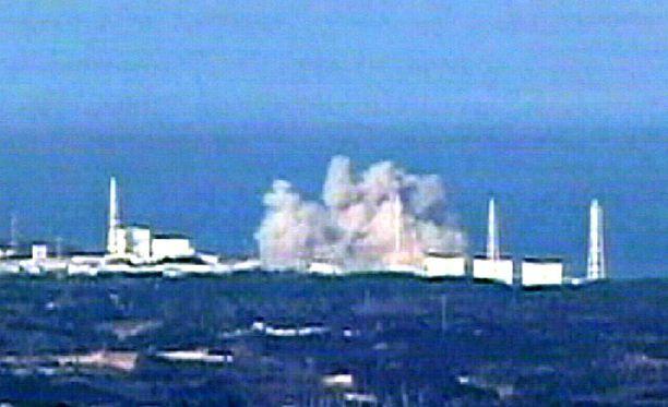 Yksi Fukushiman reaktoreista räjähti viikko sitten lauantaina.