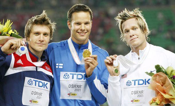 Osakan MM-kisojen mitalikolmikko vuonna 2007: Andreas Thorkildsen, Tero Pitkämäki ja Breaux Greer.