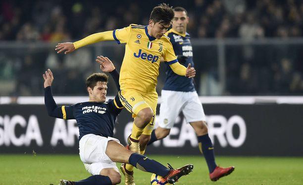 Paulo Dybala tempaisi kaksi maalia oikealla jalallaan.