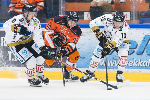 HPK ja Kärpät kohtaavat kauden avausottelussa.