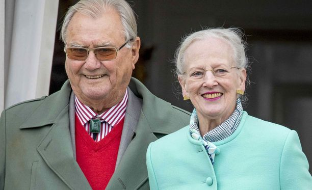 Prinssi Henrik oli ranskalainen kreivi ja diplomaatti. Hän jäi eläkkeelle prinssipuolison julkisista tehtävistä vuodenvaihteessa 2016.