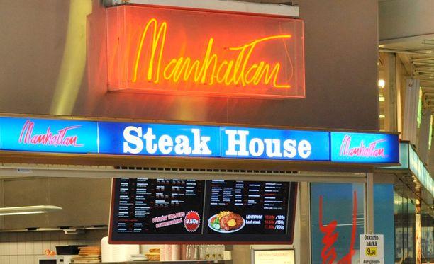 Manhattan-ravintoloita pyörittänyt pariskunta tunnusti poliisitutkinnassa kiertäneensä veroja noin kahden miljoonan euron edestä.