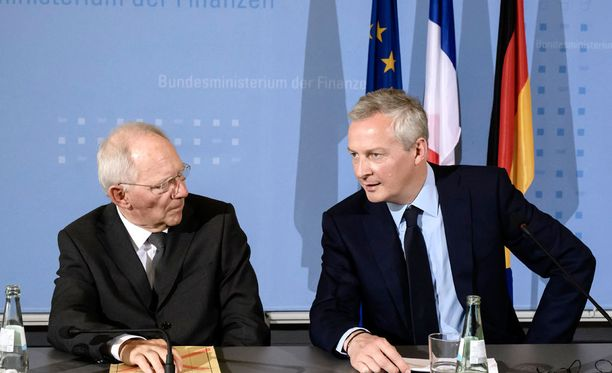 Ministerit Wolfgang Schäuble (vas) ja Bruno Le Maire lehdistötilaisuudessa Berliinissä.