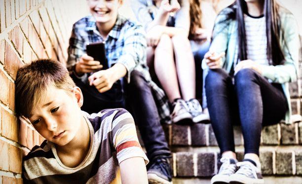 Kiusaaminen on mahdollista vain, kun sille löytyy hyväksyvä yleisö. Siksi se on ongelma, joka koskettaa koko koulua jossa kiusaamista esiintyy.