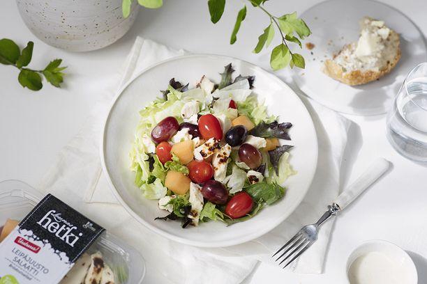 Hetki-salaattiaterioista löytyy varmasti jokaiselle maistuvat omat suosikkituotteet.