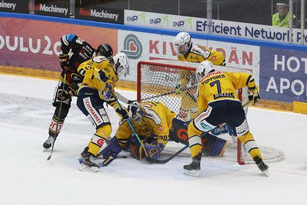Uusi liigavuosi käynnistyi tiistaina Kärppien ja Jukurien ottelulla, josta oululaiset kairasivat voiton 3–2 (vl).