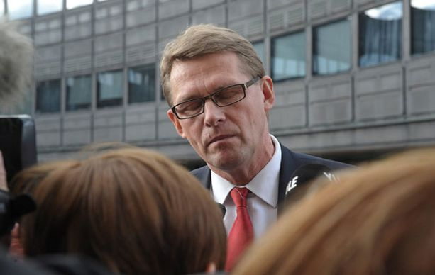 Matti Vanhasen julkisuuskuva on heikentynyt huomattavasti vaalirahakohun myötä.