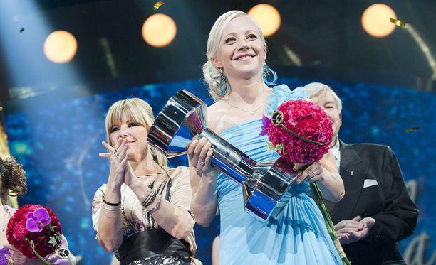 Kaisa Mäkäräinen palkittiin Vuoden urheilijana 2011.