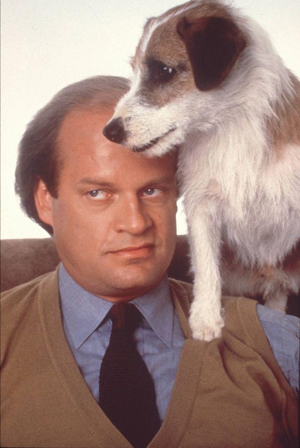 Frasier-sarjan päähenkilö on seattlelainen radiopsykiatri Frasier Crane, jota näytteli Kelsey Grammer.