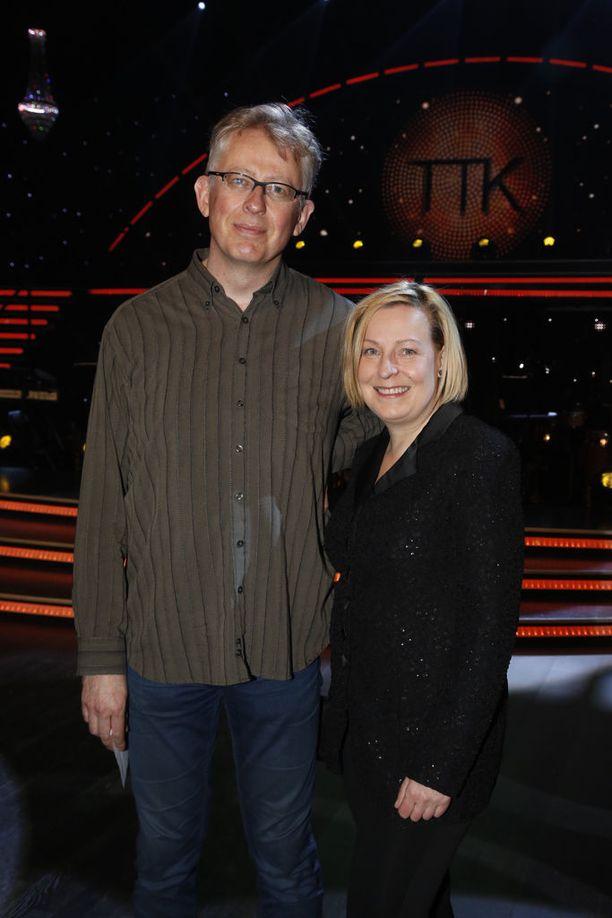 Pouta on avoliitossa toimittaja Mari Sarolahden kanssa.