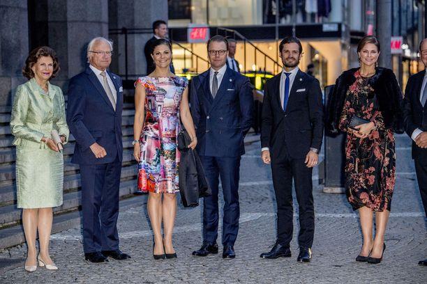 Kuninkaallinen perhe edustaa yhdessä edelleen vuosittain.