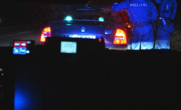 Poliisi jakoi kymmenittäin sakkoja Heinolassa. Arkistokuva vuodelta 2013.