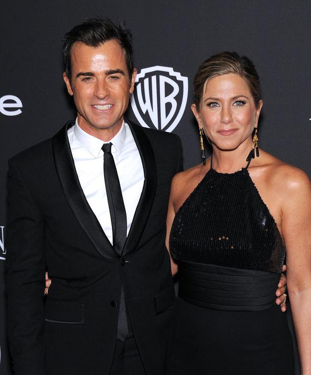 Nykyään Aniston seurustelee Justin Therouxin kanssa.