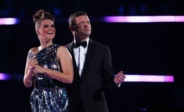Saara Aalto on saanut osakseen runsaasti hehkutusta ja kannustusta sosiaalisessa mediassa lauantai-illan X Factor -lähetyksen aikana.