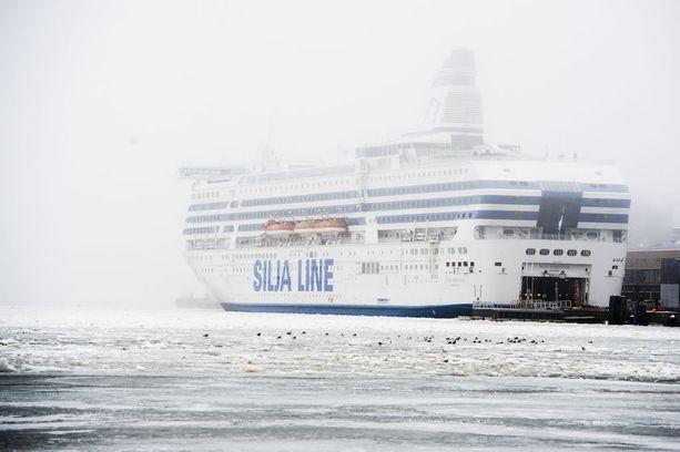 Silja Serenade lähti tänään aikataulustaan myöhässä Tukholmasta.