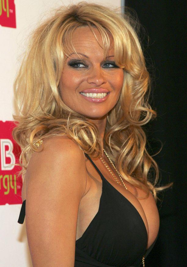 Tällaisena Pamela Anderson on totuttu näkemään.