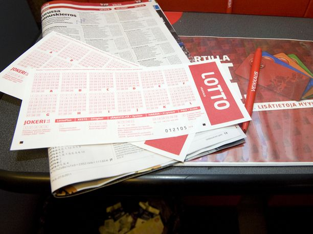 Riihimäkeläinen perheenisä jäi vaille lottokuponkia Riihimäen Prismassa sijaitsevassa Veikkauksen Pelaamossa.