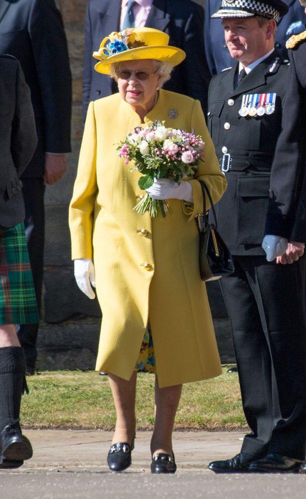 Kuningatar Elisabet tunnetaan mieltymyksestään vanhoihin kenkiin.