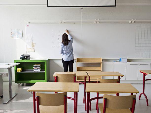 Hallituksen muuttuvat koululinjaukset ihmetyttävät ja ärsyttävät opettajia.