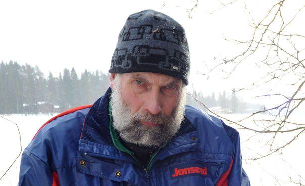 Juha Mieto vitsailee, että hän odottaa kauhulla mämmikieltoa.