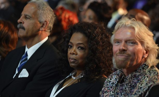 Myös tv-juontaja Oprah Winfrey osallistuu hautajalisiin.
