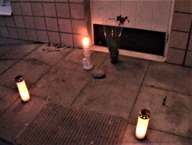 Ylä-Ollikkalan kaupunginosassa sijaitsevassa kerrostalossa tapahtunut 28-vuotiaan naisen epäilty murha järkyttää edelleen salolaisia.
