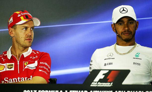 Sebastian Vettelin mielestä ohitusten vähäinen määrä ei ole F1:lle ongelma. Lewis Hamilton on eri mieltä.