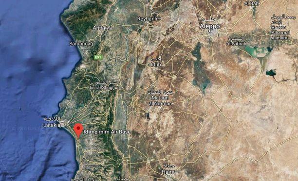 Venäläiskone syöksyi maahan lentotukikohdassa Syyrian rannikolla.