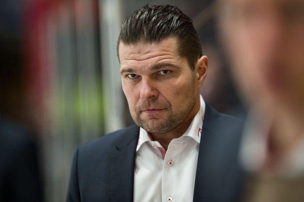 Tomek Valtonen valmentaa SM-liigavuosiensa jälkeen jo neljännessä maassa.
