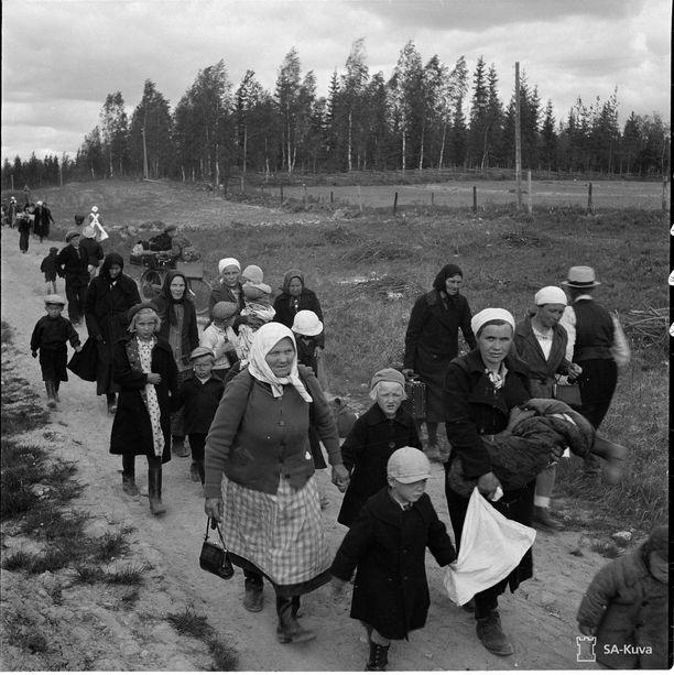 Evakkoja Vilppulassa kesäkuussa 1941.