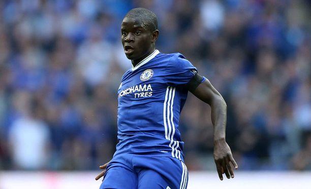 N'Golo Kanté palkittiin Vuoden pelaajana Englannissa.