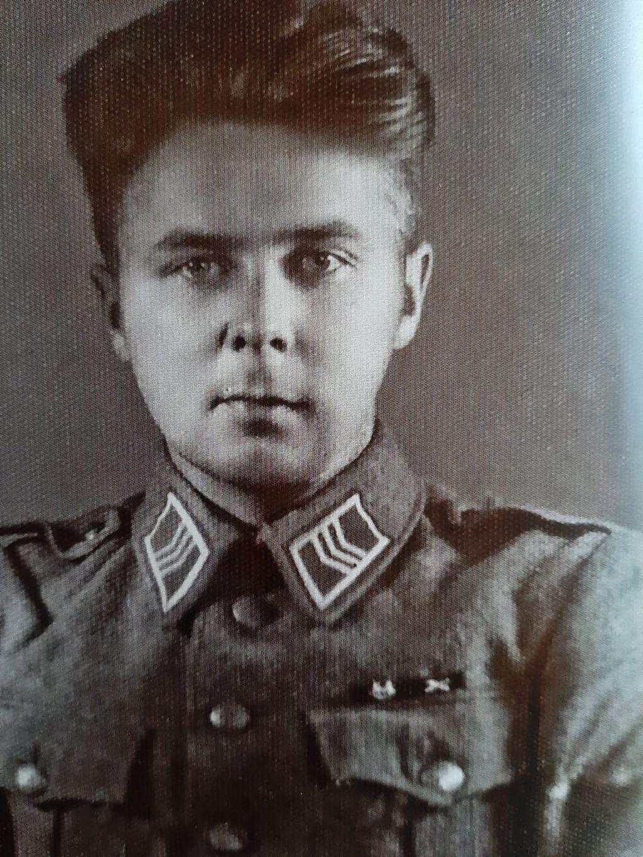 Hannes Laamanen jatkosodan aikaisena kersanttina vuonna 1945.