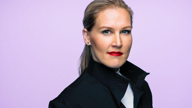 Marja Sannikka on työskennellyt aiemmin Ylen Aamu-TV:n juontajana.