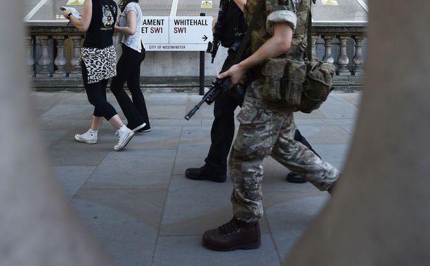 Suomalaistaustaisen miehen syytteet terrorismirikoksesta hylättiin. Kuvituskuva.