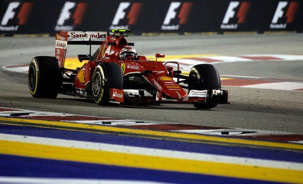 Kimi Räikkönen lähtee sunnuntain kisaan kolmannesta lähtöruudusta.