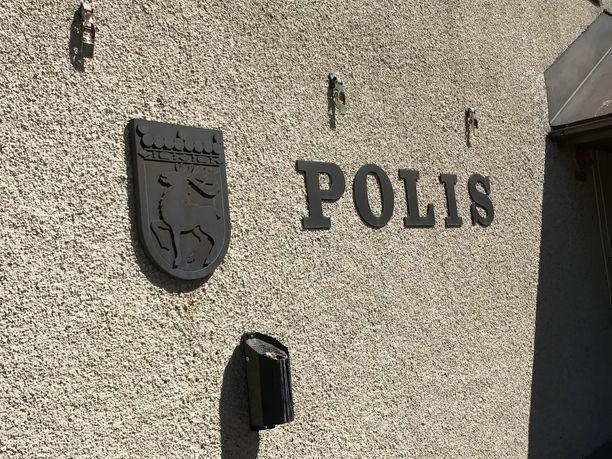 Poliisi selvittää Ahvenanmaalla joulupäivänä tapahtuneen liikenneonnettomuuden olosuhteita.