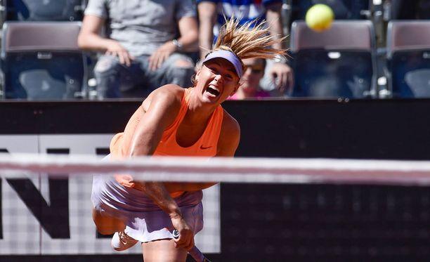 Maria Sharapovalta jäävät kesäkuun ottelut väliin.