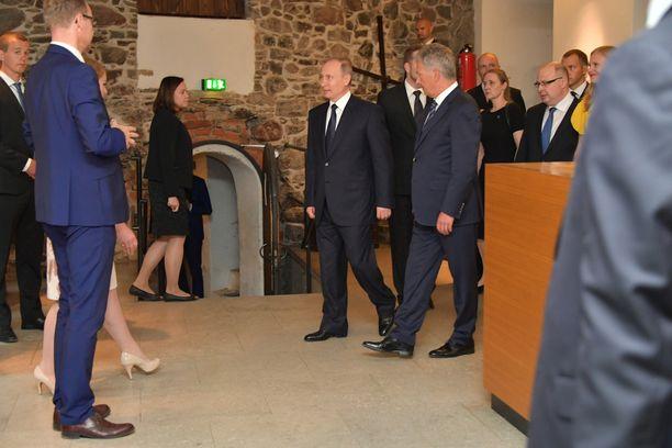 Putin ja Niinistö saapuivat Olavinlinnaan.