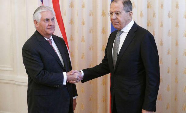 Yhdysvaltain ja Venäjän ulkoministerien tapaaminen on sujunut vakavissa ja jäykissä tunnelmissa.
